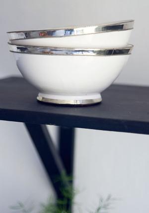 Keramikskål med silverkant vit