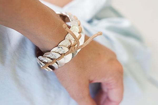 Armband - silverbrickor med läderremmar