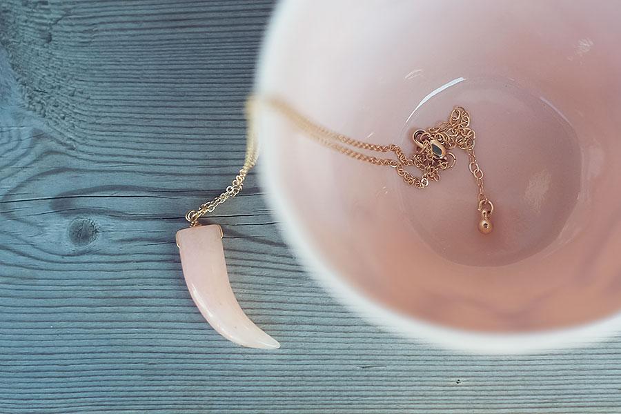 Halsband, Secrets by B
