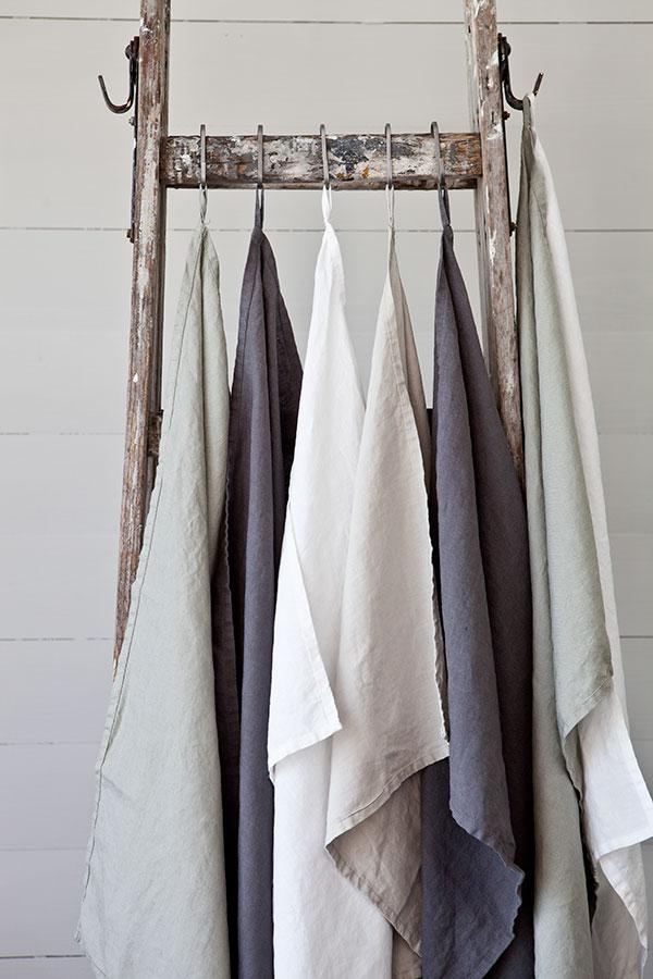 K?kshandduk i mjukt stentv?ttat linne ? Dusty Green & Dark Grey